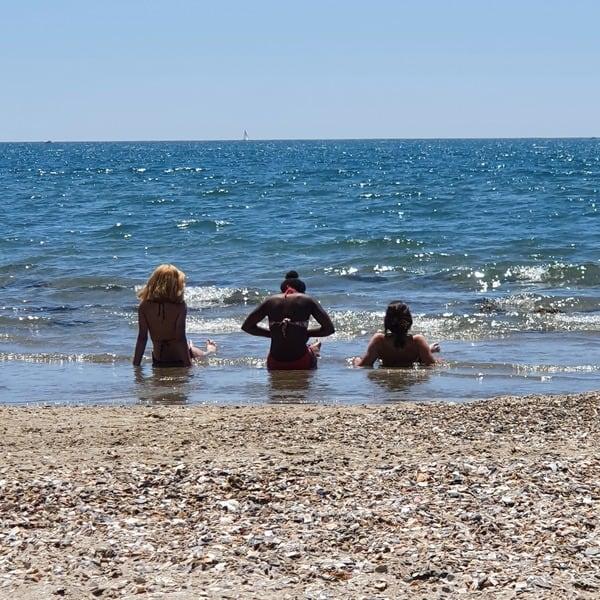 Les Chabraqueux sur la plage du Cap d'Agde